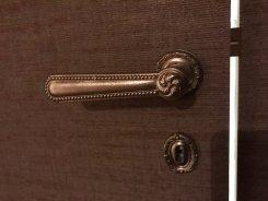 vente et Restauration de poignets en bronze ancienne (on les démonte chez le client ,on les restaure a nos atelier ,et on les réinstalle chez le client) 2